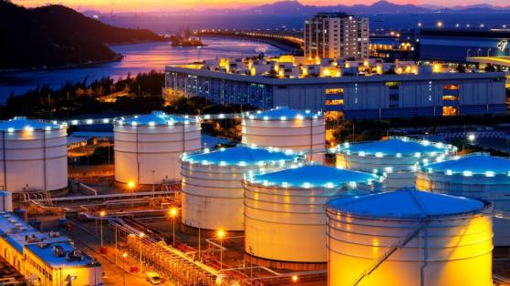 Oil Prices Up: Buy Suncor and These Energy Stocks Now